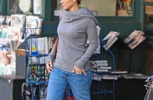 Jennifer Lopez :  Toujours mince, elle soigne son look... Attention au détail !