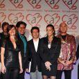 Stéphanie de Monaco et des artistes lors de la soirée de ventes aux enchères à l'hôtel Méridien de Monte-Carlo le 1er décembre, au profit de l'association Fight Aids Monaco