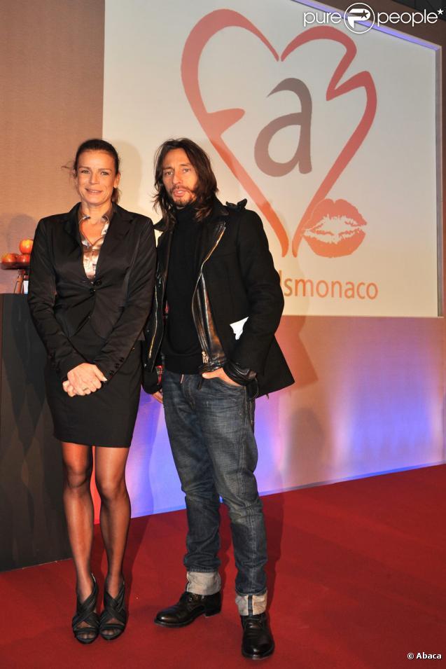 Stéphanie de Monaco et Bob Sinclar lors de la soirée de ventes aux enchères à l'hôtel Méridien de Monte-Carlo le 1er décembre, au profit de l'association Fight Aids Monaco