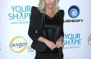 Regardez la superbe Jenny McCarthy donner un cours de fitness... aux stars glamour d'Hollywood !