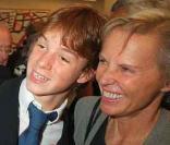Bernard Kouchner et Christine Ockrent avec leur fils Alexandre en 2001