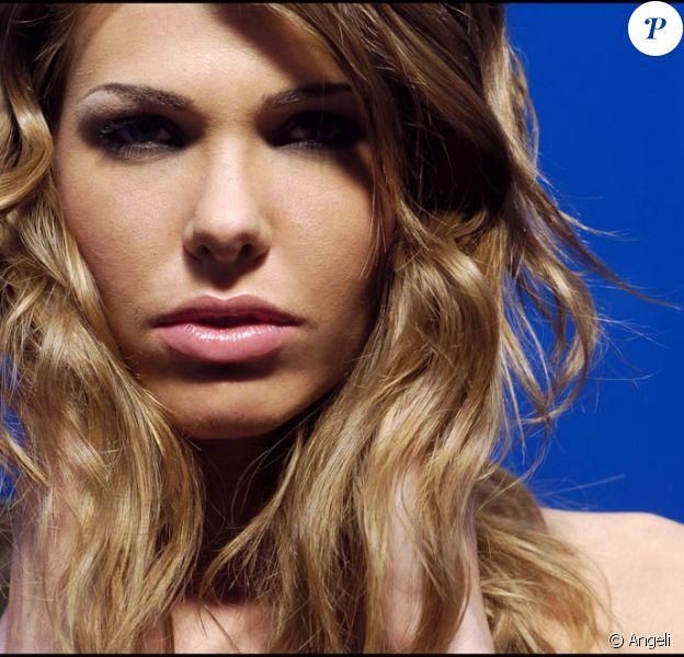 La très charmante Ilary Blasi.