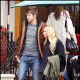 Ashley Tisdale et son chéri Scott Speer à Los Angeles, le 12 décembre 2009