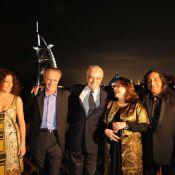Le grand Omar Sharif reçu comme un prince à Dubaï... entouré de Josiane Balasko et Christophe Lambert !