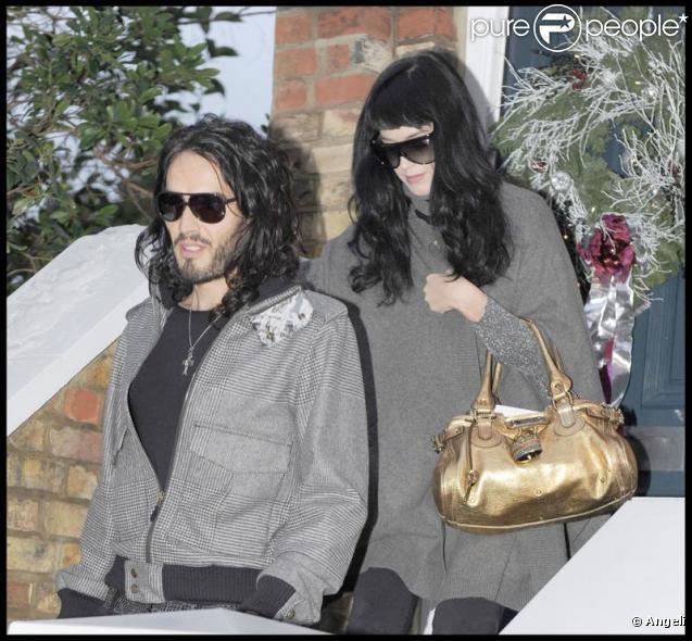 Katy Perry et Russell Brand à Londres, le 23 décembre 2009