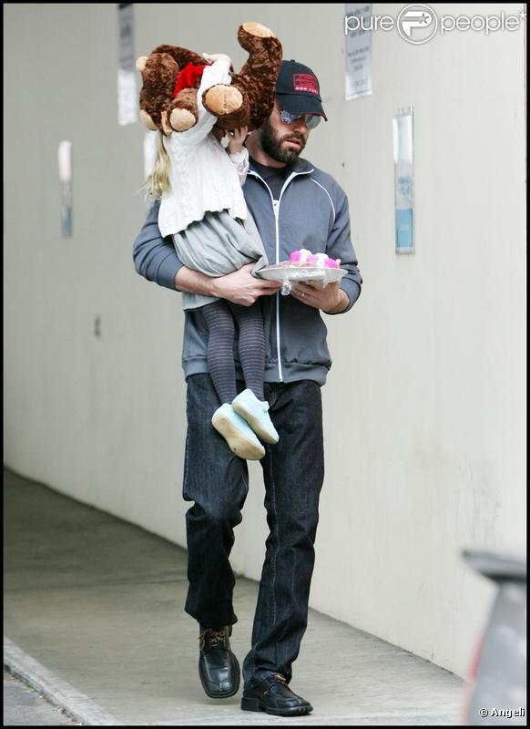 Ben Affleck et sa fille Violet à Los Angeles (17 décembre 2009)