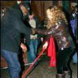 Mariah Carey craint-elle de choir à cause de la neige qui recouvre le sol de la station de ski d'Aspen ? Pour ne prendre aucun risque, elle a fait venir son garde du corps... On n'est jamais trop prudent !