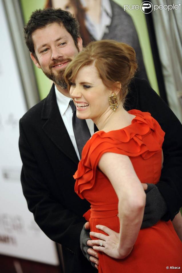 La séduisante Amy Adams dans une robe qui fait mal aux yeux, à l'occasion de l'avant-première de  Leap Year , au Directors Guild Theatre de New York, le 6 janvier 2010.