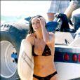 La très belle Demi Moore sur le tournage de  Charlie's Angels 2 - Les anges se déchaînent ...
