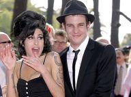 Amy Winehouse : incarcéré depuis quatre mois, son mari a choisi de plaider non coupable...