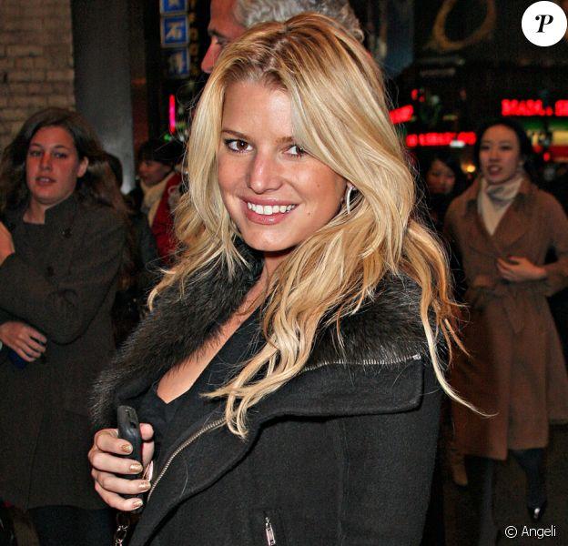 Jessica Simpson à New York le 7 janvier est allée voir sa soeur dans la comédie musicale Chicago