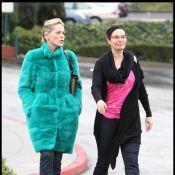 """Près de 20 ans après, Sharon Stone retrouve Jeanne Tripplehorn... sa torride partenaire de """"Basic Instinct"""" !"""