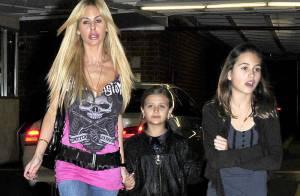 La sulfureuse Shauna Sand : virée shopping avec ses filles !