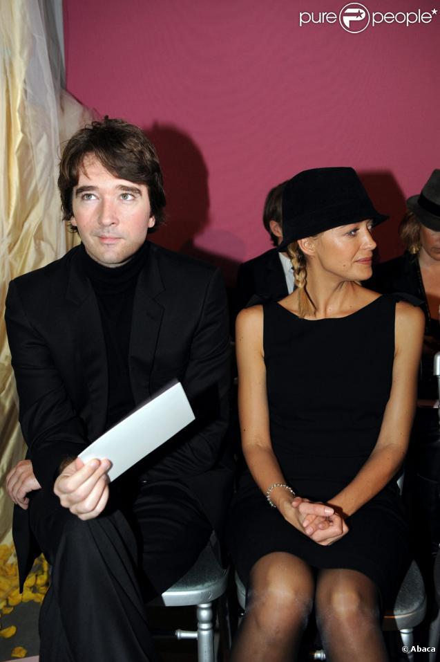 Antoine Arnault et Hélène de Fougerolles lors du défilé Dior Haute Couture, printemps/été 2010, le 25 janvier 2010. Fashion Week de Paris.