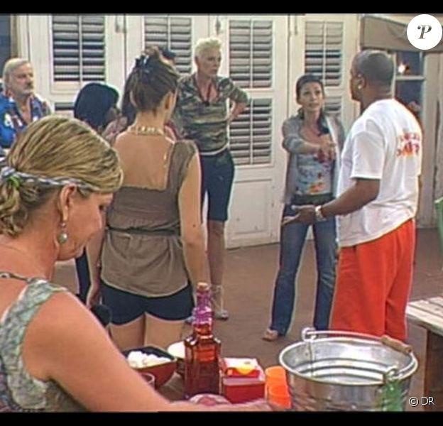 Francky pète les plombs et... c'est Adeline qui prend !