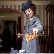 Regardez les dessous des Aventures d'Adèle Blanc-Sec avec une Louise Bourgoin aussi trépidante que charmante !