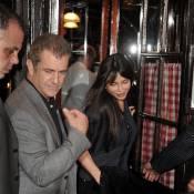 Mel Gibson et sa compagne s'offrent un dîner romantique... dans la capitale de l'amour !