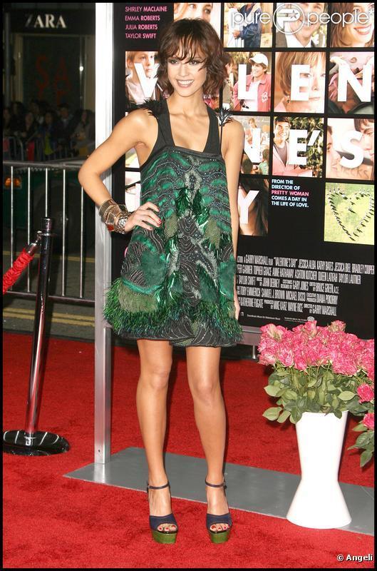 Jessica Alba à la première de Valentine's Day à Los Angeles le 8 février 2010