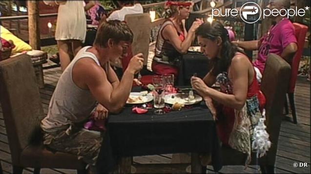 Adeline et Mickael dînent en tête à tête pour la Saint Valentin
