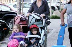David Charvet : Pendant qu'il est dans La Ferme Célébrités en Afrique, sa jolie Brooke Burke s'occupe des enfants !