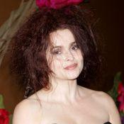 Helena Bonham Carter : Regardez-la, pas franchement distinguée... Fidèle à elle-même !