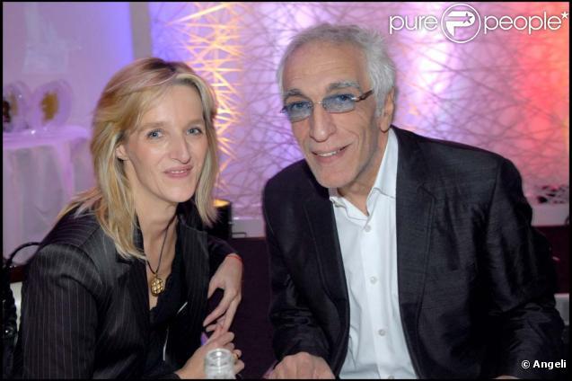 Gérard Darmon et sa compagne Christine se passeront la bague au doigt en 2010 !
