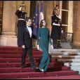 Carla Bruni et Nicolas Sarkozy acceuillent le président russe et son épouse à l'Elysée