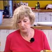 """La Ferme Célébrités en Afrique : Regardez Claudette traiter Mickaël de... """"petit con"""" ! Un vrai bonheur !"""