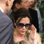 Victoria Beckham : Prête à tout pour la mode elle ose une tenue... inappropriée !