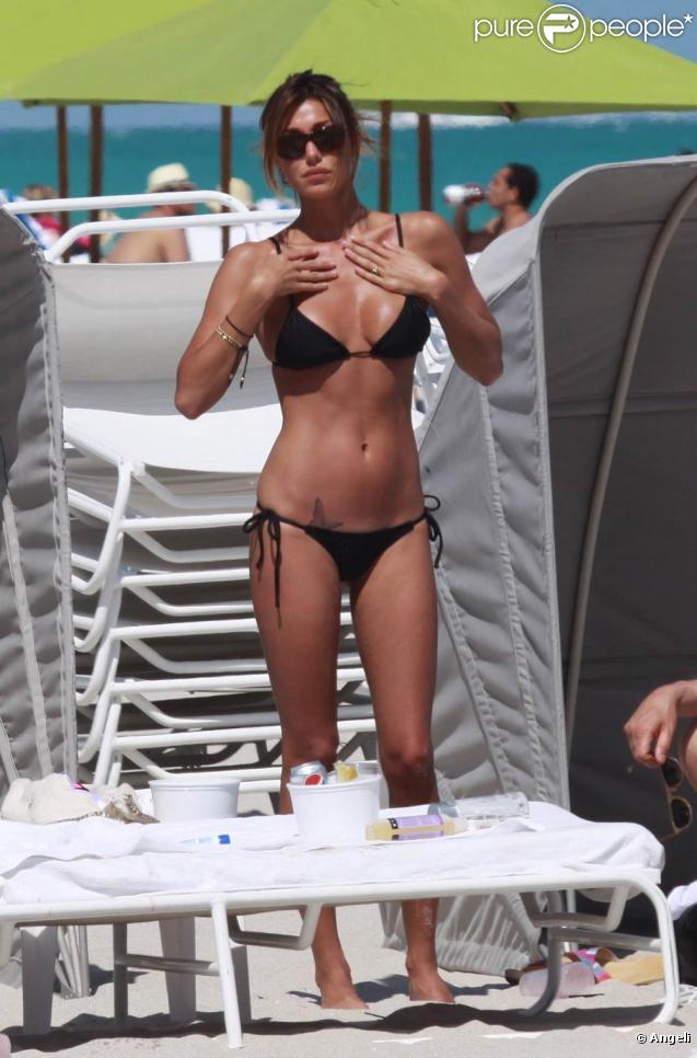 La bombe Belen Rodriguez, torride à Miami Beach, en Floride, le 7 mars 2010.