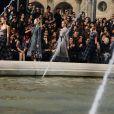 au défilé Louis Vuitton le 10 mars à Paris