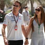 """Jenson Button """"contrôle sa compagne""""... qui ne le quitte plus !"""