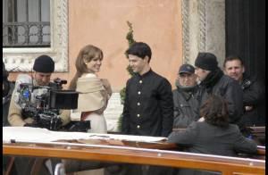 La belle Angelina Jolie et le séduisant Johnny Depp... en balade romantique sur un bateau à Venise !