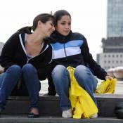 """Regardez les craquantes Leïla Bekhti et Géraldine Nakache... commenter une scène-phare de """"Tout ce qui brille"""" !"""