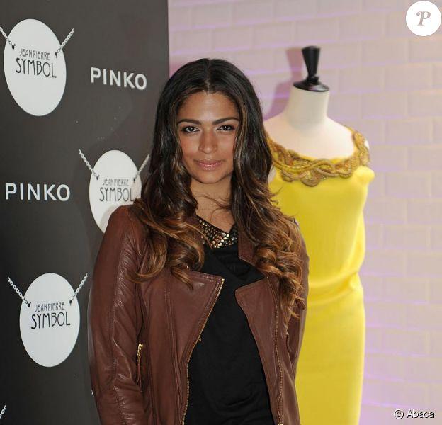 Camila Alves à Barcelone en plein travail. Le 24 mars 2010