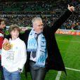 Sous la houlette de son entraîneur Didier Deschamps, l'Olympique de Marseille s'est défait de Bordeaux pour arracher la Coupe de la Ligue : enfin un trophée après 17 ans de disette...