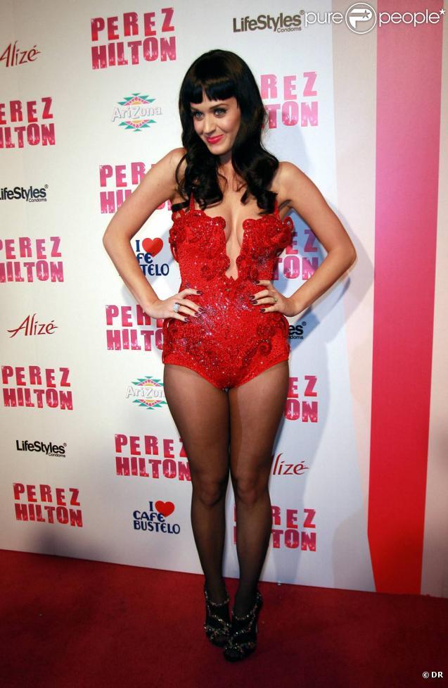 Katy Perry, plus sexy que jamais, lors de la fête d'anniversaire des 32 ans de Perez Hilton au Paramount Studios à Hollywood le 27 mars 2010