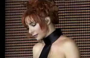 Regardez Mylène Farmer, sensuelle et provocante, dans son