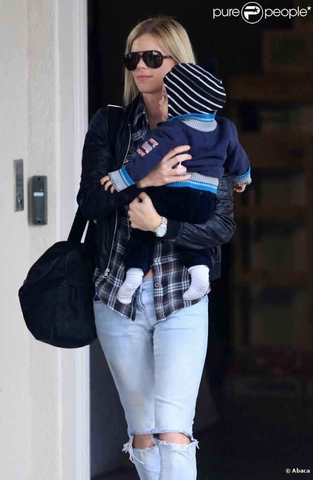 Elin Nordegren, l'épouse de Tiger Woods, a profité d'un agréable week-end de Pâques à Key Biscane avec son fils Charlie, en compagnie de Roger Federer, sa femme Mirka et leurs jumelles
