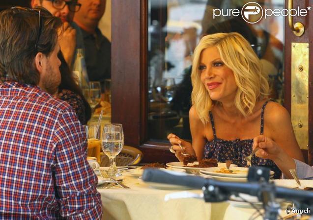 Tori Spelling et Dean McDermott déjeunent ensemble au restaurant Cipriani le 6 avril 2010 à New York