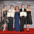 Marion Cotillard et Hilary Swank remettent le trophée Chopard en 2009 à Léa Seydoux et David Kross