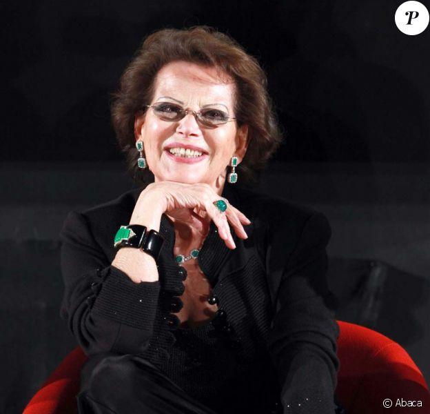 Claudia Cardinale présente Le Fil à l'ouverture du 25e Festival du film gay et lesbien de Turin, le 15 avril 2010 !
