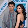 Demi Lovato et Joe Jonas assistent, samedi 17 avril, à l'avant-première du film Oceans de Jaques Perrin, à Los Angeles.