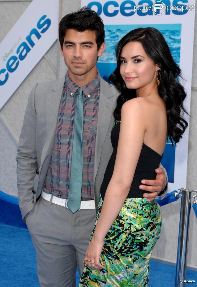 Demi Lovato Et Joe Jonas Tellement Amoureux Quils Sexilent Au Beau Milieu De Locean