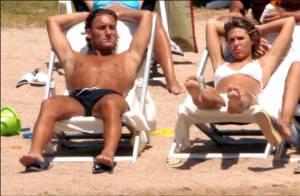 Regardez la star Francesco Totti et sa magnifique femme pour une série de pubs sexy !
