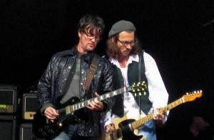 Johnny Depp : Enfin rockstar grâce à Babybird et deux anciens des Forces Spéciales, il part en tournée ?!