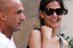 Katie Holmes : Sans sa fille, elle garde le sourire... mais pas la classe !