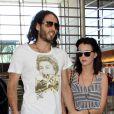 Katy Perry et Russell Brand à l'aéroport de Los Angeles, le 28 mars 2010 !