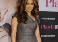 Jennifer Lopez fait sensation avec une robe moulante... soulignant ses courbes divines !