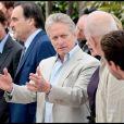 Josh Brolin, Oliver Stone, Michael Douglas, Frank Langella, Carey Mulligan et Shia LaBeouf lors du photocall du film Wall Street 2 à Cannes le 14 mai 2010